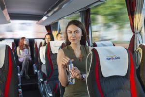Nemokamas buteliukas vandens kiekvienam autobuso keleiviui.