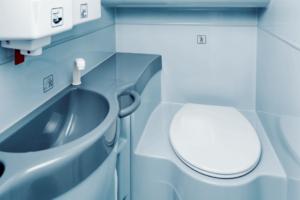 Autobusuose veikia švarūs ir tvarkingi tualetai